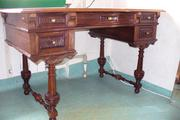 продам антикварный отреставрированный  раритетный письменный стол 19 века