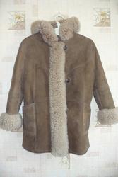 Продам детскую зимнюю дублёнку отделанную натуральным мехом