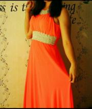 красивое платье в пол.